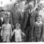 Manuel Maria cos seus irmáns e pais